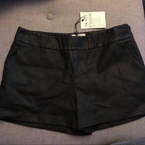 NWT Skaist Taylor Coated Shorts. Size 6